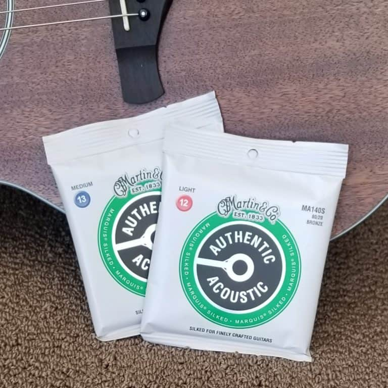 Martin Authentic Acoustic MA140S guitar strings