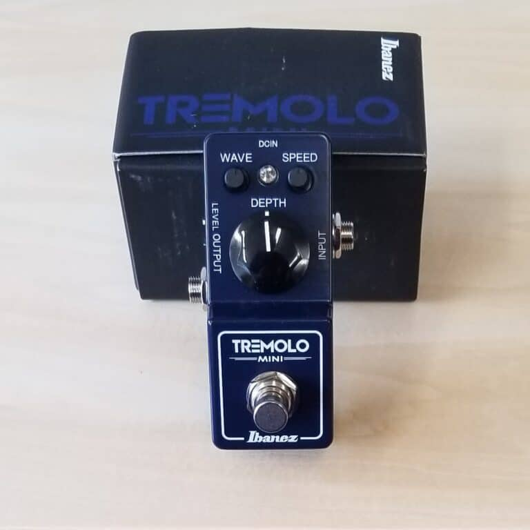 Ibanez Mini Tremolo Effects pedal Navy