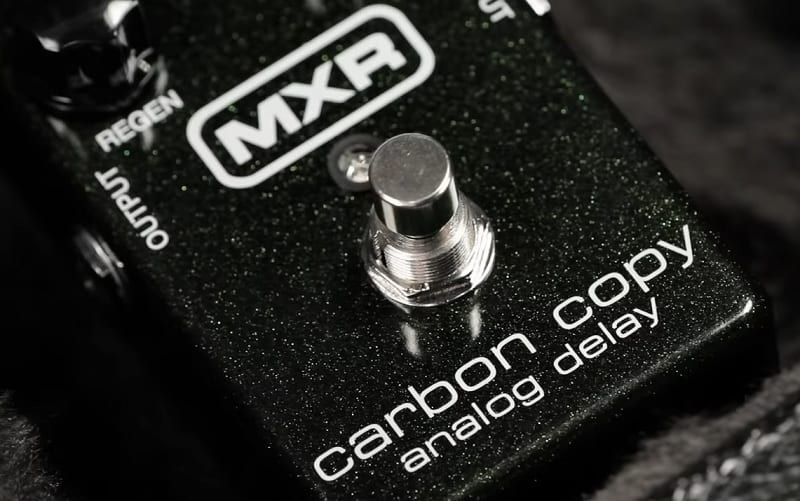 MXR Carbon Copy analog delay guitar effects pedal